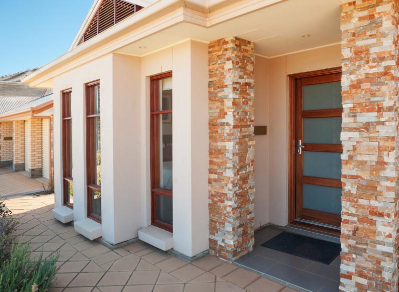 Jak wybrać drzwi wejściowe do swojego domu?